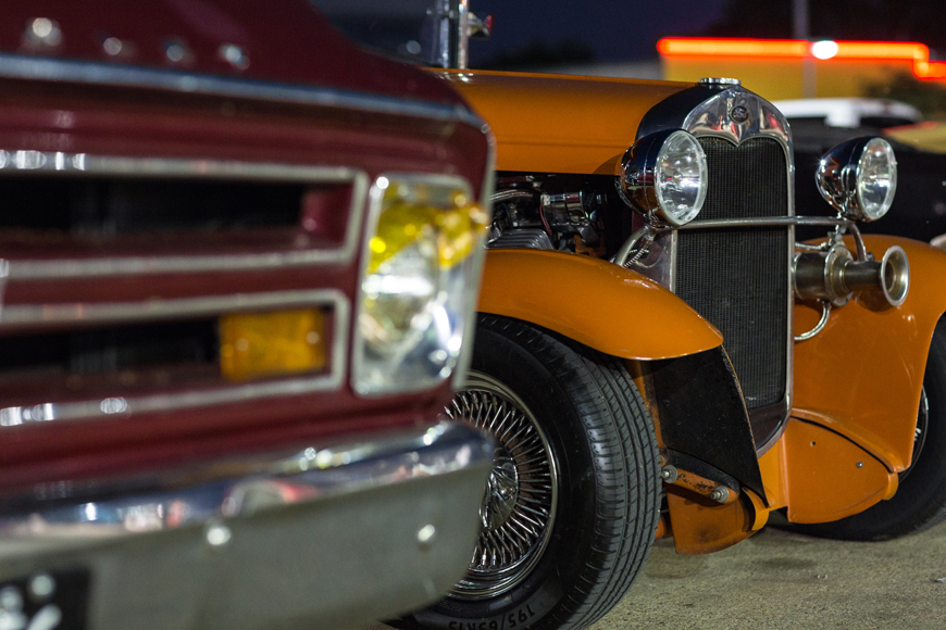 Classic cars at Keller's Drive-in, photo by Rasy Ran